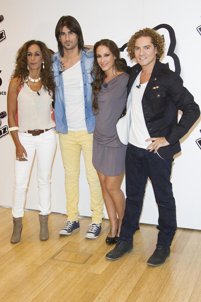 Rosario Flores, Malendi, Malu y David Bisbal, Miralos