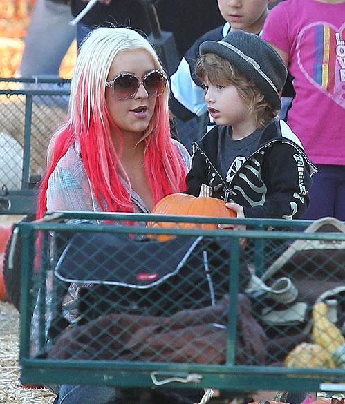 Christina Aguilera, Max, Halloween