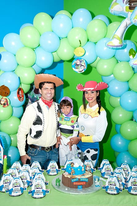Mariela Encarnación y familia