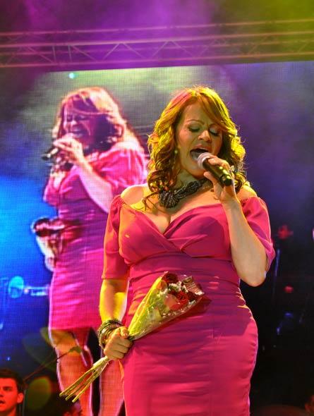 Jenni Rivera en concierto en Tijuana