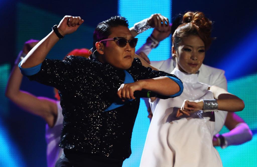 Psy MTV EMA 2012