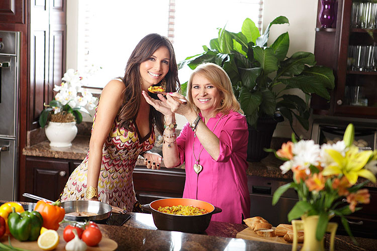 Giselle Blondet y su madre Alba Gómez