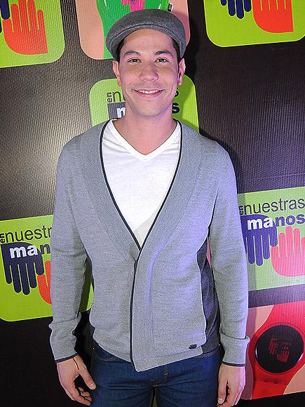 Christian Chávez, Miralos