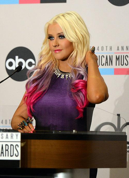 Christina Aguilera, Famosas con mechas de colores