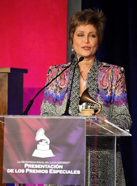 Daniela Romo, Premio a la Excelencia en los Latin Grammys 2012