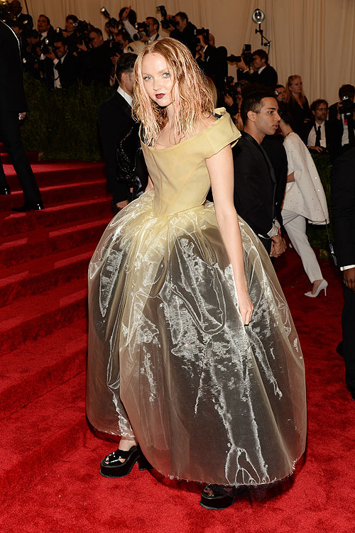 Lily Cole, gala, Met
