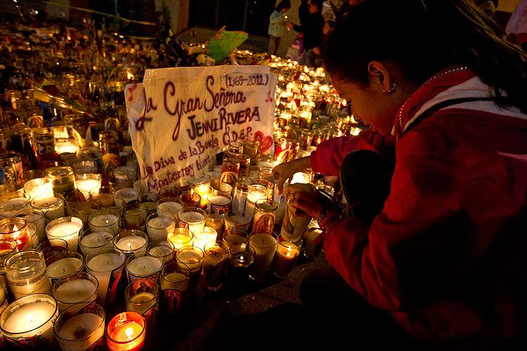 Muerte de Jenni Rivera, tributo, homenaje, fans