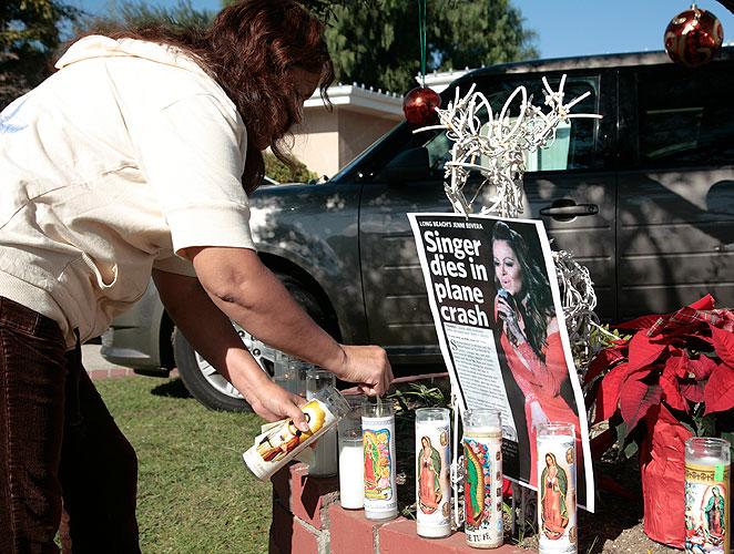 Muerte de Jenni Rivera, tributo, homenaje, fans, casa, madre, familia