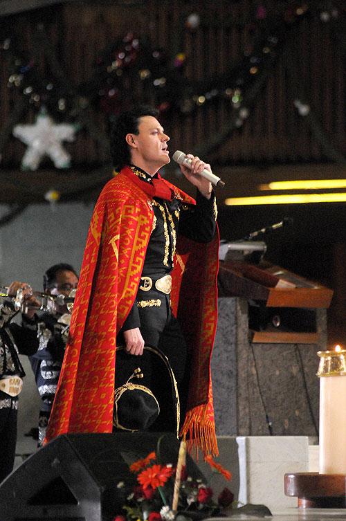 Pedro Fernández, Mañanitas a la Virgen de Guadalupe