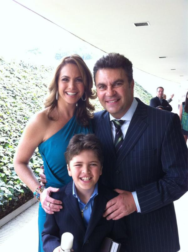 Lucero y Mijares con su hijo Manuel
