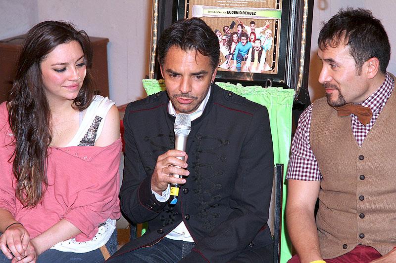 Eugenio Derbez, Regina Blandón y Luis Manuel Ávila, Míralos