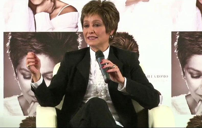 Daniela Romo para 2013