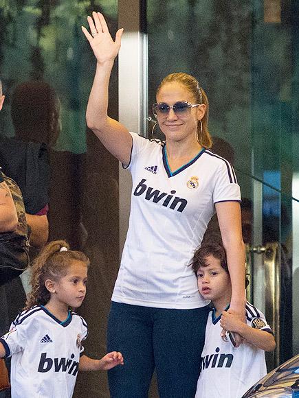 Jennifer López, Max, Emme, embarazo de mellizos