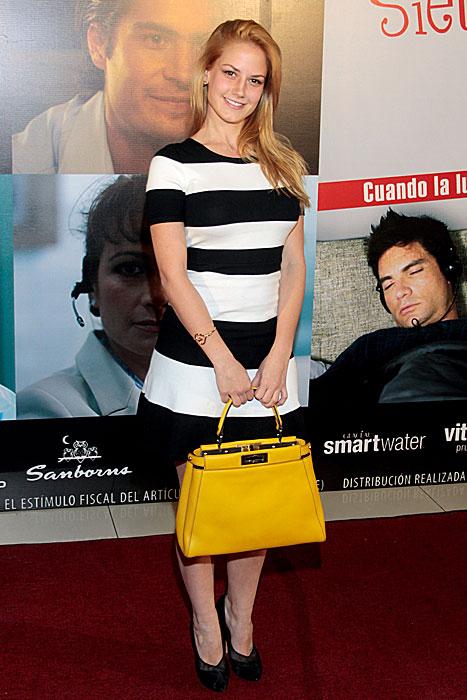 ALTAIR JARABO, Fashionable telenovela stars