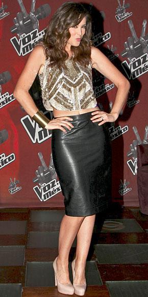 JACKY BRACAMONTES, Fashionable telenovela stars
