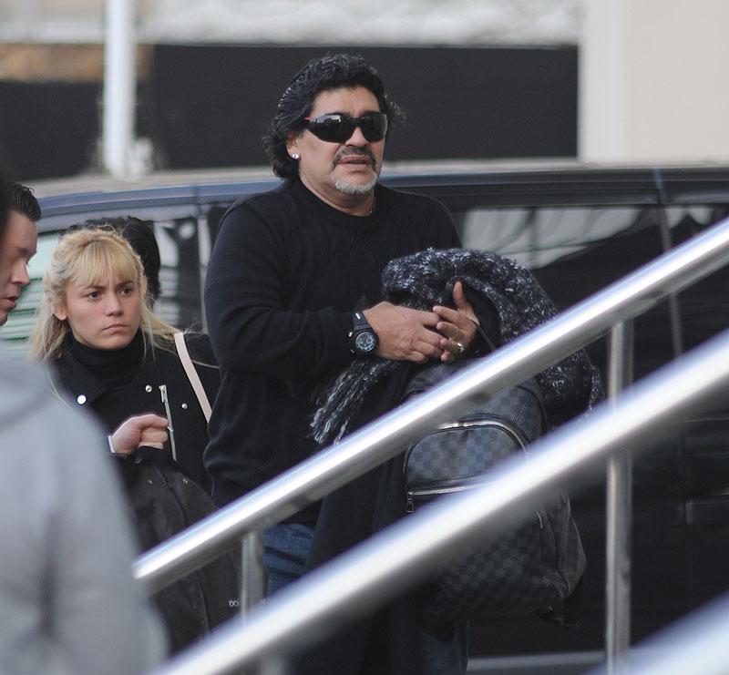 Diego Armando Maradona, Rocío Oliva, Míralos