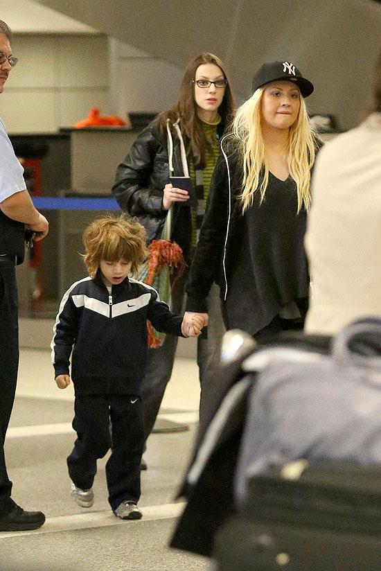 Christina Aguilera, Max, Míralos