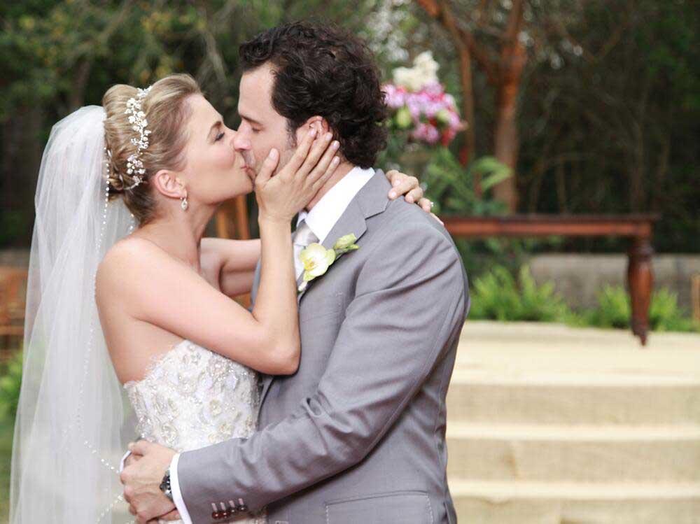 Ludwika Paleta, Emiliano Salinas, boda