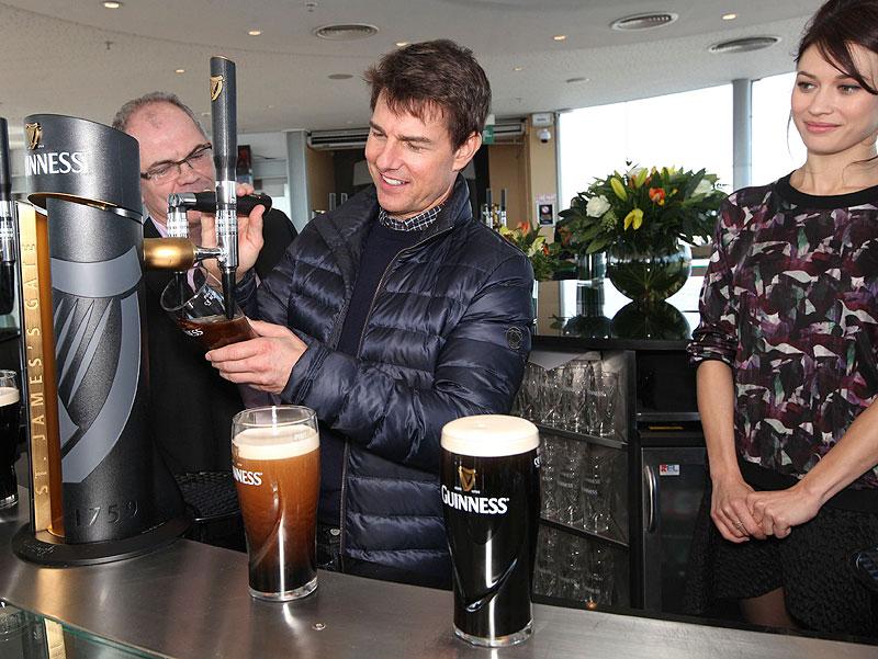 Tom Cruise, Olga Kurylenko, Míralos