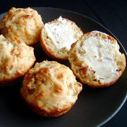 Muffins de queso y tocino