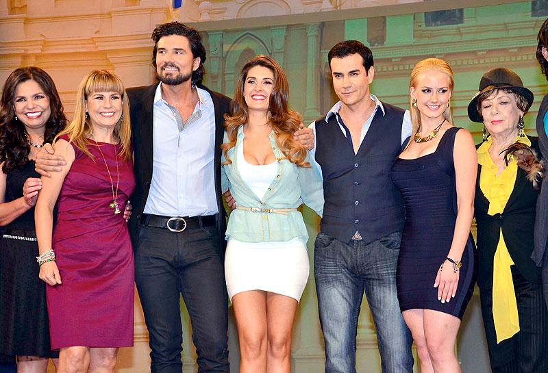 Mayrín Villanueva, David Zepeda, Diego Olivera, Altair Jarabo, Rosy Ocampo, Míralos