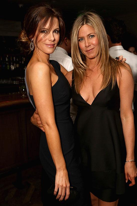 Kate Beckinsale, Jennifer Aniston, Míralos
