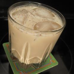 Coctel de whisky con crema irlandesa