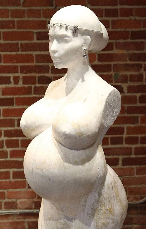 Kim Kardashian, escultura