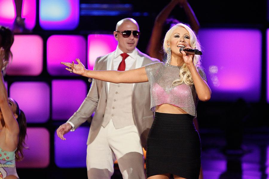 Christina Aguilera, Pitbull, Míralos