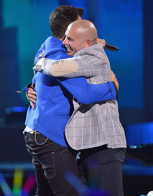 Jencarlos Canela, Pitbull, Premios Juventud