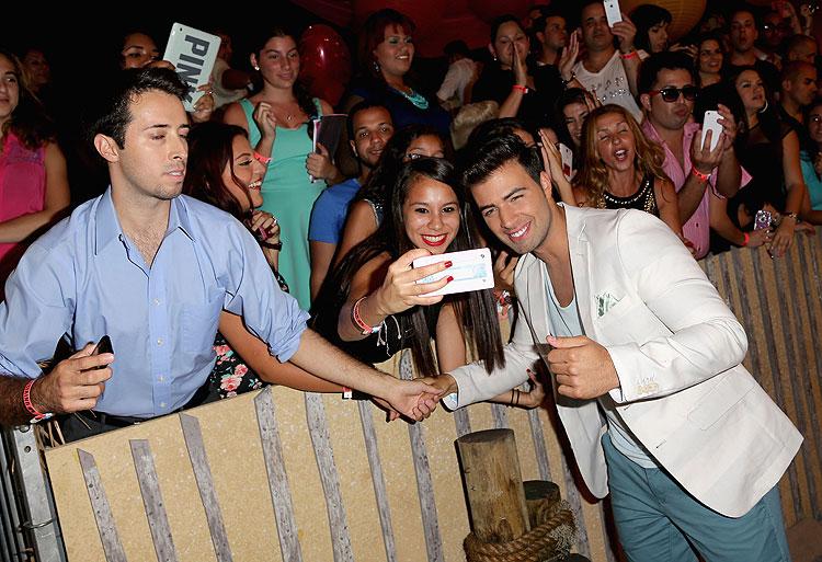 Jencarlos Canela, Premios Juventud