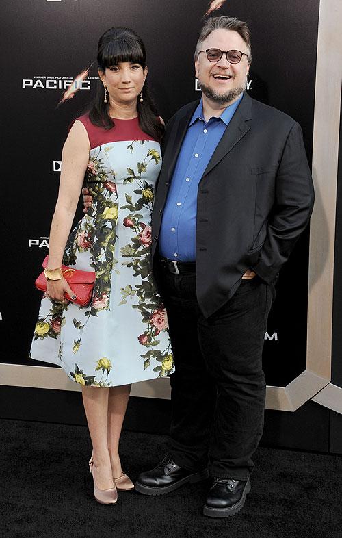 Guillermo del Toro, Lorenza Newton, Míralos