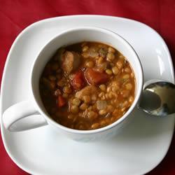 Sopa de lentejas con salchicha