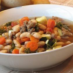 Sopa italiana de salchicha