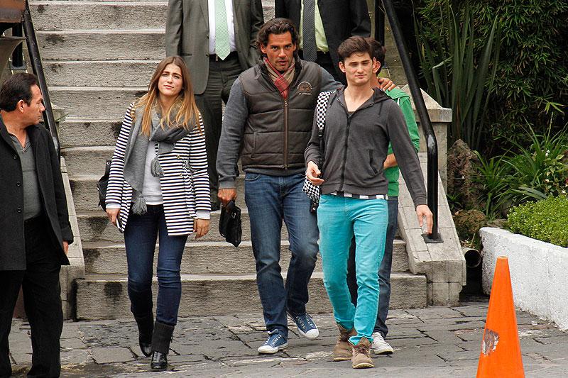 Cristián de la Fuente, Cassandra Sánchez Navarro, Míralos