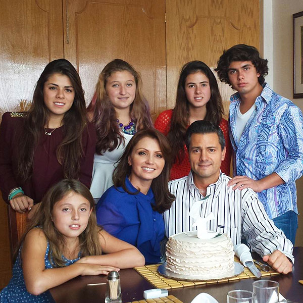 Angélica Rivera, Alejandro Peña Pretelini, Enrique Peña Nieto, Regina Castro, Fernanda Castro, Paulina Peña, Nicole Peña