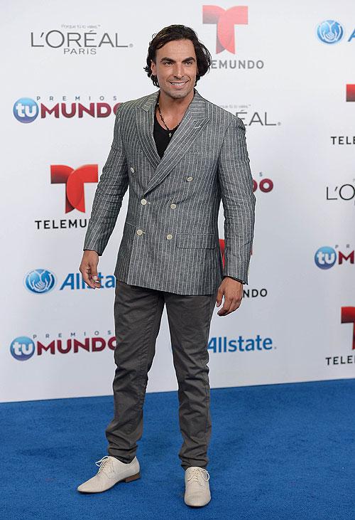 Gabriel Valenzuela, Premios Tu Mundo 2013
