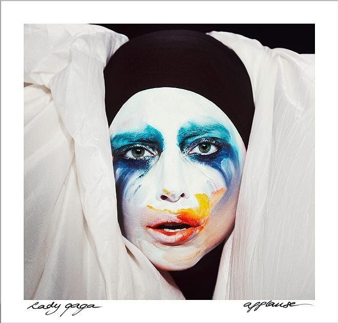 Lady Gaga, Applause single