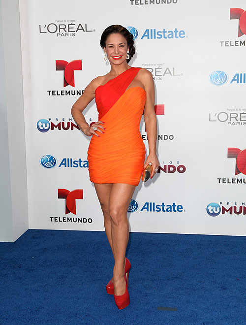 Liz Vega, Premios Tu Mundo 2013