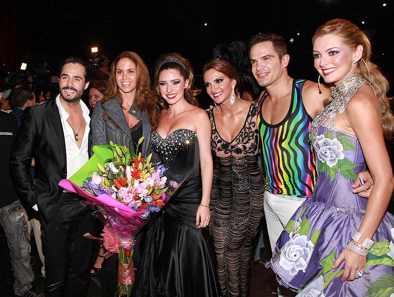 José Ron, Lucero, Ariadne Díaz, Mariana Seoane, Julio Camejo, Marjorie de Sousa, Míralos
