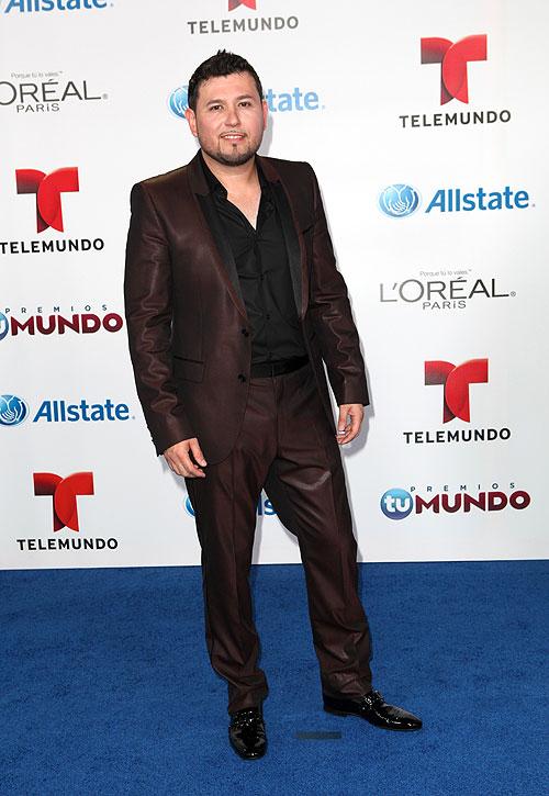 Roberto Tapia, Premios Tu Mundo 2013