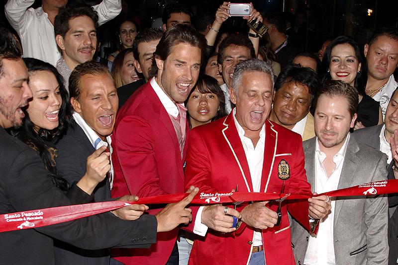 Sebastián Rulli, Alexis Ayala, Míralos