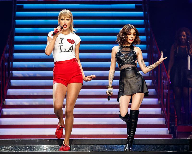 Taylor Swift, Cher Lloyd, Míralos