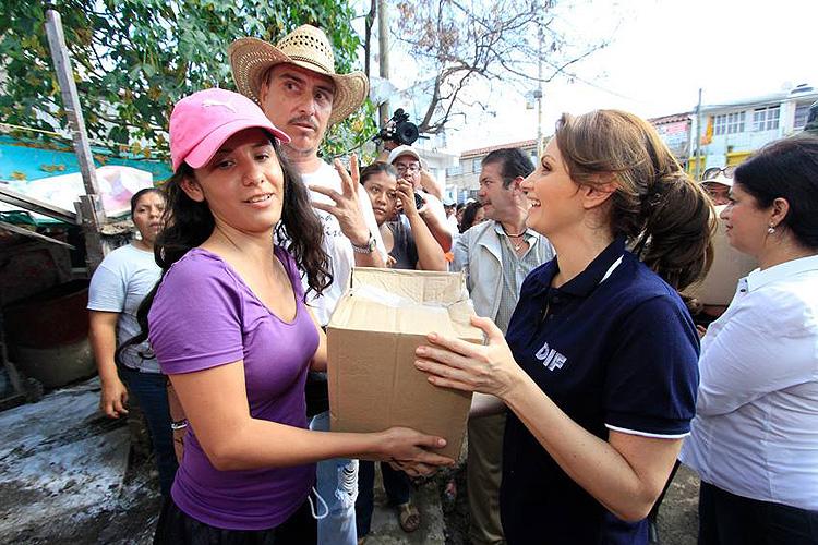 Angélica Rivera, ayuda, huracan, Ingrid, Manuel