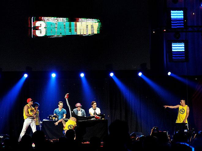 3Ball MTY, Festival People en Español 2013