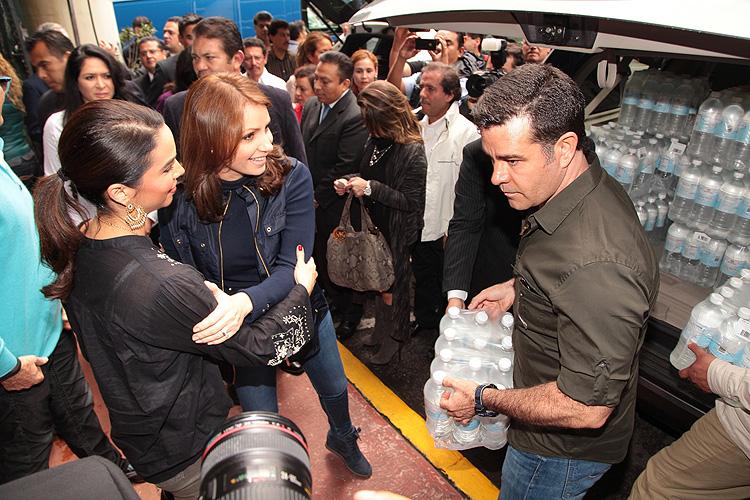 Angélica Rivera, Eduardo Capetillo, Bibi Gaytán, tormentas Manuel e Ingrid