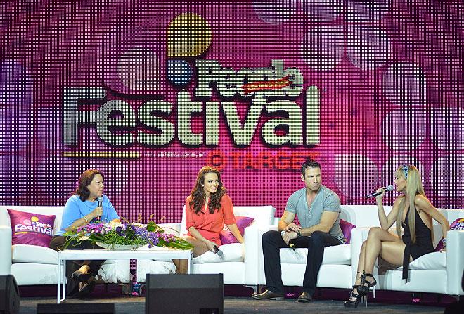 María Morales, Silvia Navarro, Rafael Amaya, y Marjorie de Sousa
