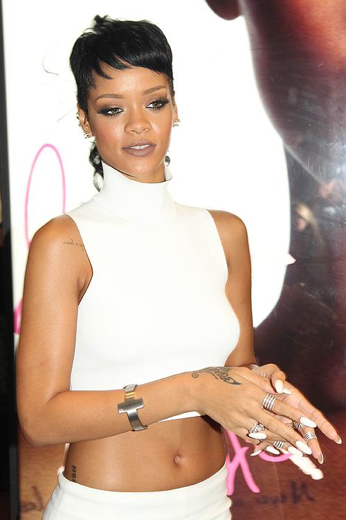 Rihanna, Hong Kong, miralos