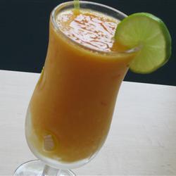 Licuado de papaya y mango