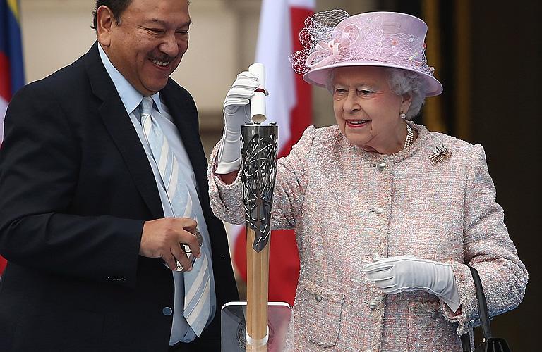 Reina Elizabeth, Míralos
